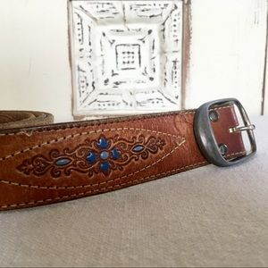 Vintage Tooled Floral leather belt w/ Turquoise 36